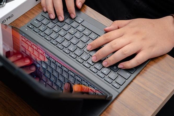 Logitech giới thiệu bàn phím Slim Folio Pro cho iPad, giá bán từ 2,99 triệu đồng ảnh 1