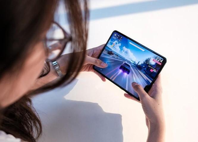 Galaxy Fold mới sẽ rẻ hơn iPhone 11 Pro ảnh 1