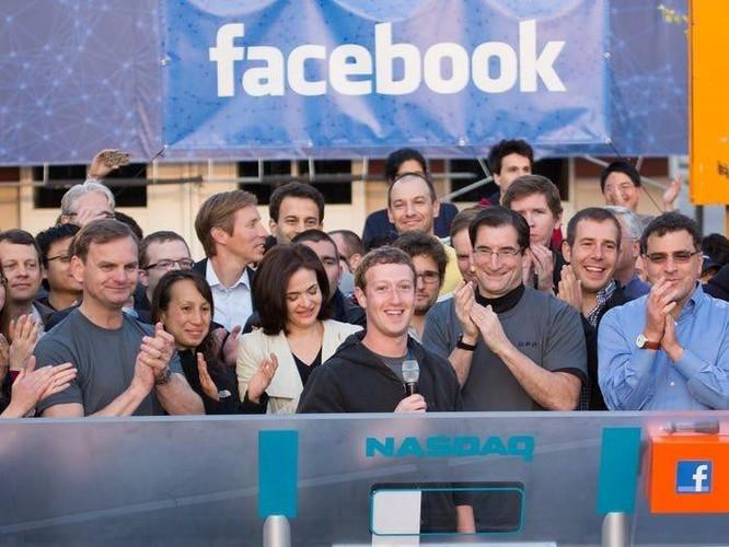 Tổng kết 10 năm 'lên voi xuống chó' của Mark Zuckerberg ảnh 5