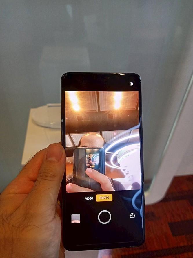 Cận cảnh flagship tương lai của OPPO với camera ẩn bên trong màn hình ảnh 3