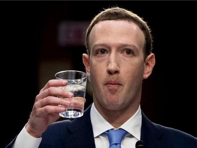 Tổng kết 10 năm 'lên voi xuống chó' của Mark Zuckerberg ảnh 18