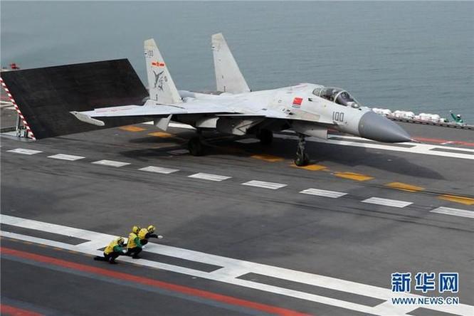 'Cá mập bay' và các loại khí tài trên hạm của tàu sân bay Sơn Đông ảnh 1