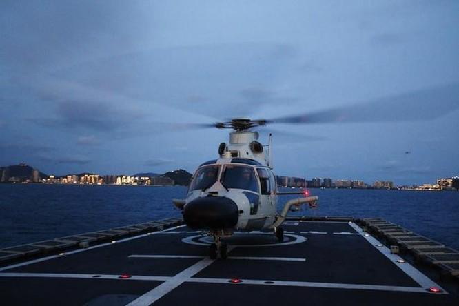 'Cá mập bay' và các loại khí tài trên hạm của tàu sân bay Sơn Đông ảnh 4