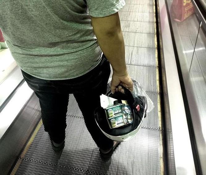 Mang vali, chậu, xe kéo đi mua hàng vì túi nylon bị cấm ở Thái Lan ảnh 7