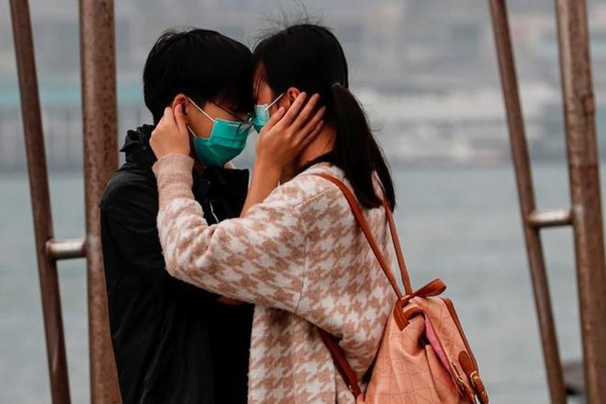 1,49 triệu người 'xếp hàng' chờ mua khẩu trang từ trang mạng Hong Kong ảnh 1