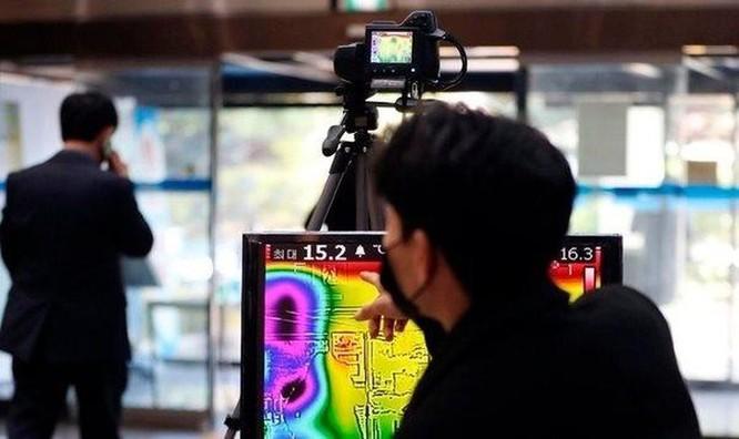 Covid-19 đảo lộn công sở Hàn Quốc: Samsung, LG cho bà bầu, phụ huynh có con nhỏ làm việc ở nhà ảnh 1