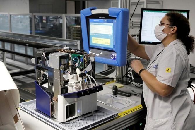 Không dễ để các đại gia ôtô Mỹ sản xuất máy thở chống dịch Covid-19 ảnh 3