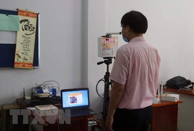 Dịch COVID-19: Sáng chế các sản phẩm góp phần phòng, chống dịch ảnh 2