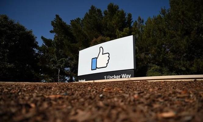 Facebook cảnh báo người dùng 'tương tác' với tin giả COVID-19 ảnh 1