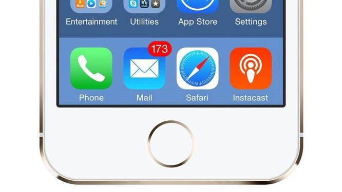 Vì sao người dùng iPhone nên vô hiệu hóa ứng dụng Mail ngay và chuyển sang Gmail? ảnh 1