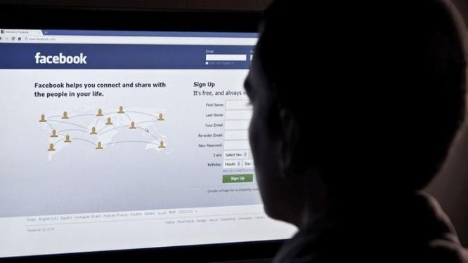 'Hồ sơ bóng tối' của Facebook ảnh 4