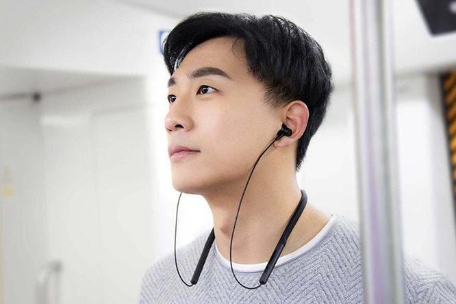 Hướng dẫn đeo tai nghe Bluetooth đúng cách ảnh 4