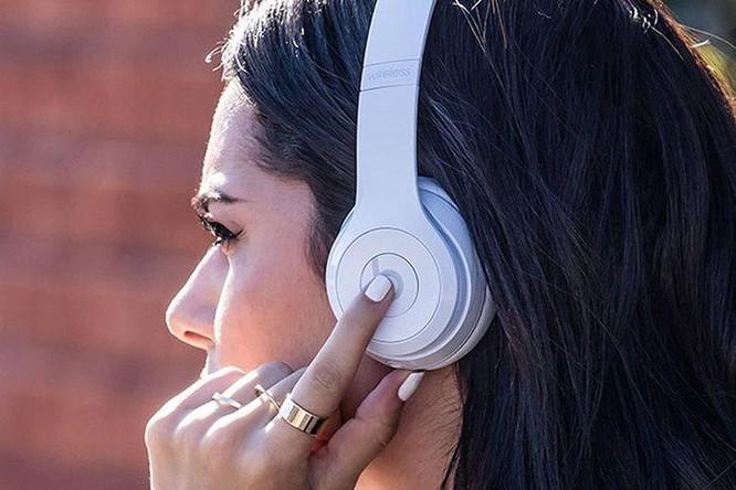 Hướng dẫn đeo tai nghe Bluetooth đúng cách ảnh 3