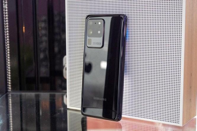 Top 5 smartphone có pin 'đỉnh' nhất ảnh 4