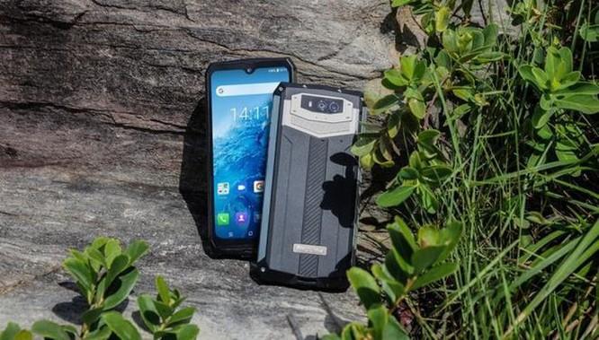 Điện thoại chống nước sở hữu pin bền 7 ngày ảnh 1