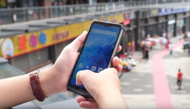 Điện thoại chống nước sở hữu pin bền 7 ngày ảnh 5