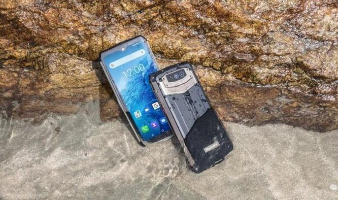 Điện thoại chống nước sở hữu pin bền 7 ngày ảnh 4