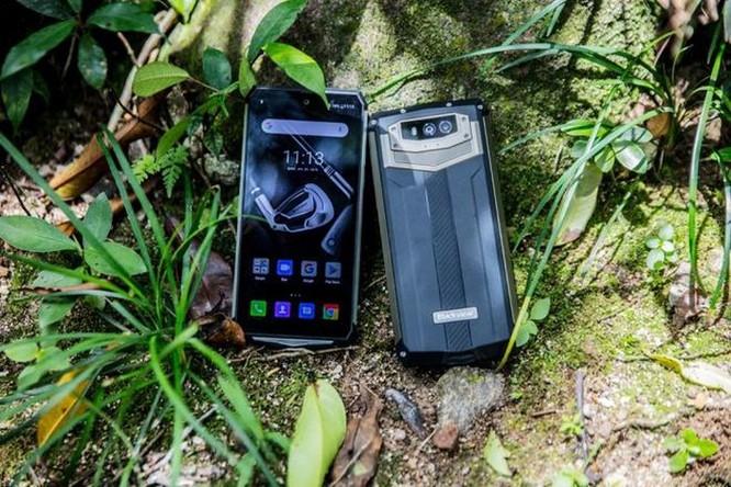 Điện thoại chống nước sở hữu pin bền 7 ngày ảnh 3