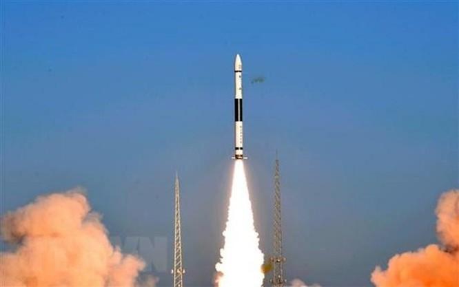 Trung Quốc phóng thành công 2 vệ tinh vào quỹ đạo ảnh 1