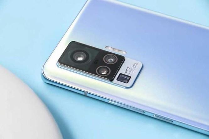 Vivo ra mắt smartphone đầu tiên có công nghệ gimbal ảnh 1