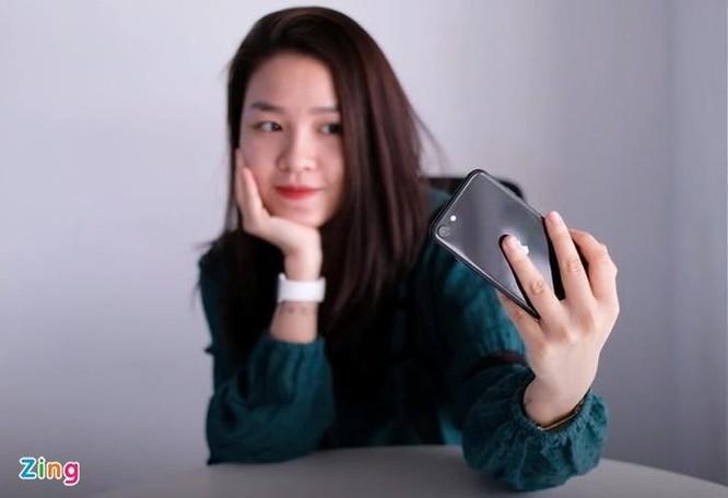 iPhone SE 2020 chính hãng giảm giá dù chưa lên kệ tại Việt Nam ảnh 2