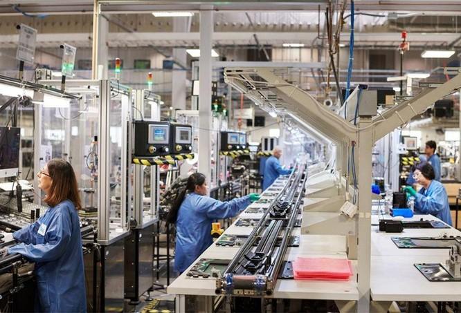 Tốn hàng triệu USD, Apple tạo ra chuỗi robot thua xa công nhân ảnh 2