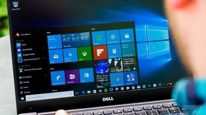 Khoe mua bản quyền Windows, người dùng bị dân mạng nói 'phí tiền' ảnh 2