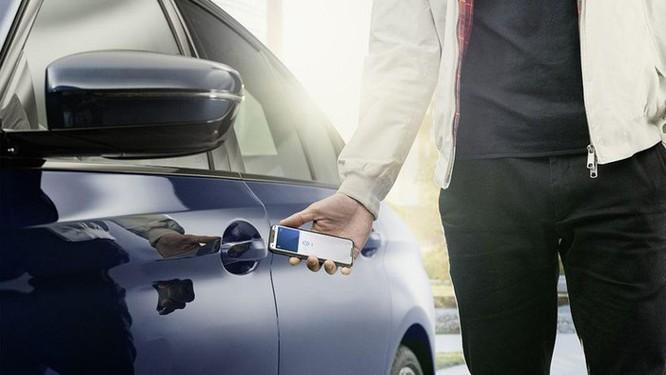 BMW là hãng xe đầu tiên dùng iPhone làm chìa khóa số ảnh 3