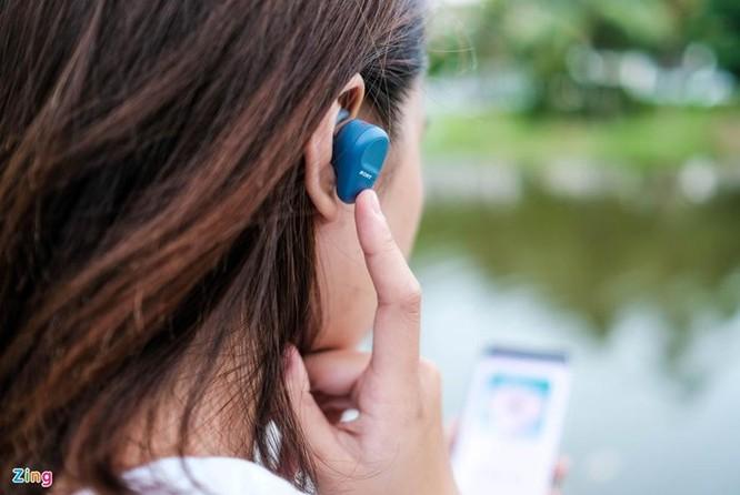 Đánh giá nhanh Sony WF-SP800N: Pin 17 tiếng, chống ồn, giá 4,8 triệu ảnh 9