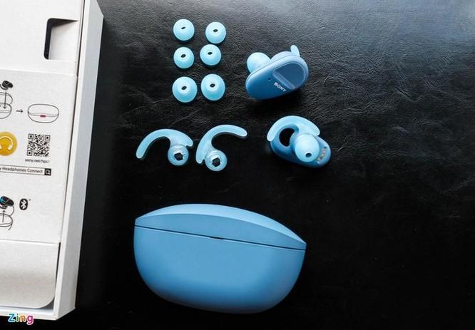 Đánh giá nhanh Sony WF-SP800N: Pin 17 tiếng, chống ồn, giá 4,8 triệu ảnh 2