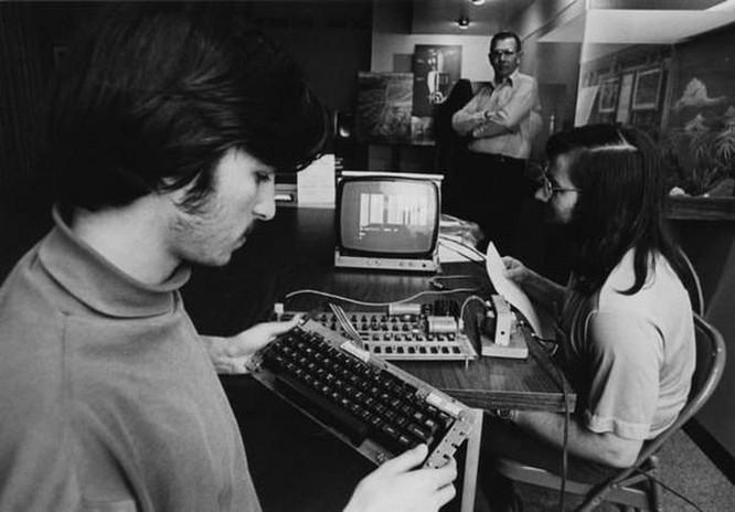 Chuyện chưa kể về Steve Wozniak: Cha đẻ của máy tính hiện đại, bạn thân với Steve Jobs ảnh 2