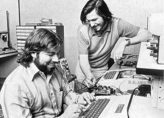 Chuyện chưa kể về Steve Wozniak: Cha đẻ của máy tính hiện đại, bạn thân với Steve Jobs ảnh 1