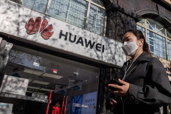 Trong một đêm, Mỹ công bố 2 lệnh cấm chặn đường Huawei ảnh 2