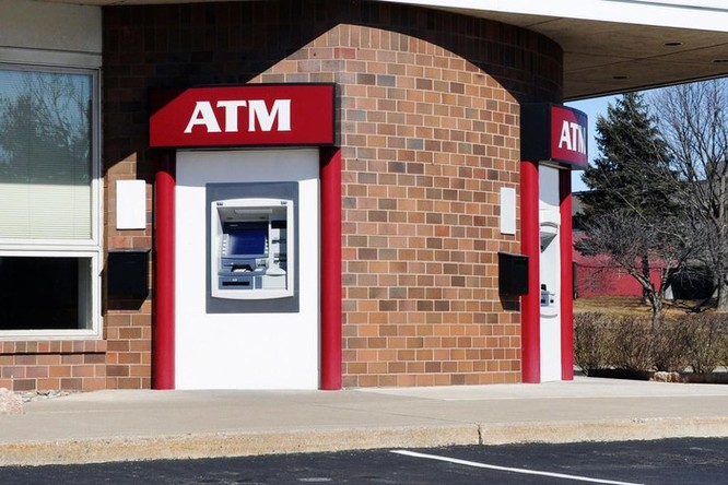 Tin tặc hack máy ATM tự động nhả tiền ảnh 2