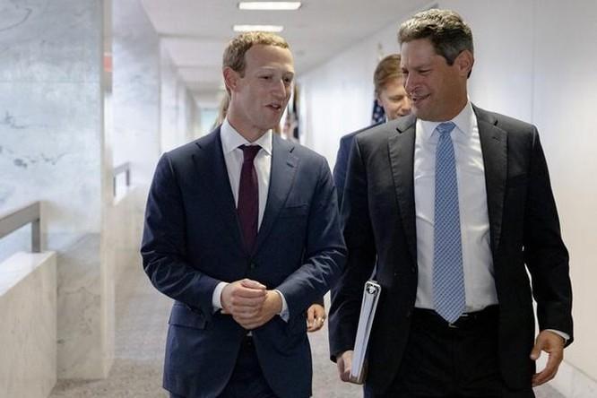 Facebook lên kế hoạch đối phó nếu TT Trump bác kết quả bầu cử ảnh 1