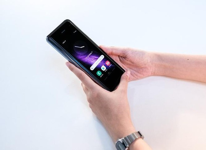 Nhiều smartphone chính hãng ngừng bán ở Việt Nam ảnh 2