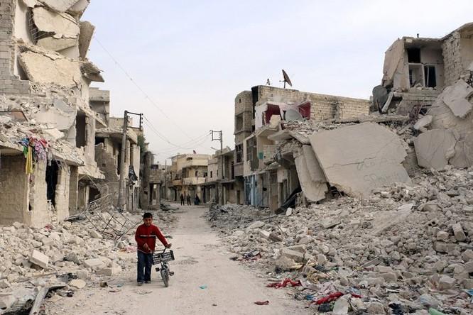 Cảnh thành phố Aleppo hoang tàn sau 5 năm chiến tranh tàn phá Syria