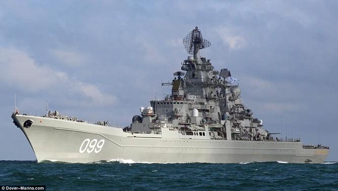 Tuần dương hạm hạng nặng chạy bằng năng lượng hạt nhân Peter Đại đế là chiến hạm trang bị vũ khí vào loại khủng nhất thế giới