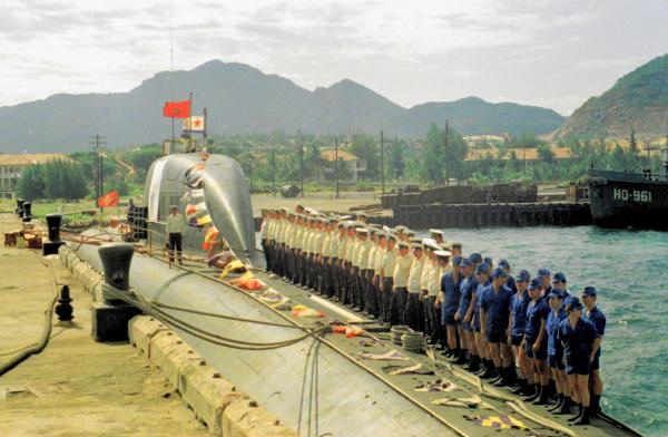 Tàu ngầm của hải quân Liên Xô thời kỳ đóng căn cứ ở Cam Ranh