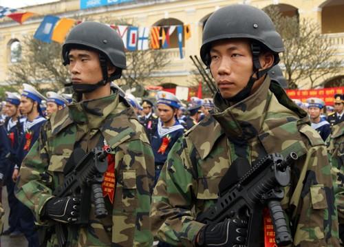 Chiến sĩ lực lượng hải quân đánh bộ Việt Nam