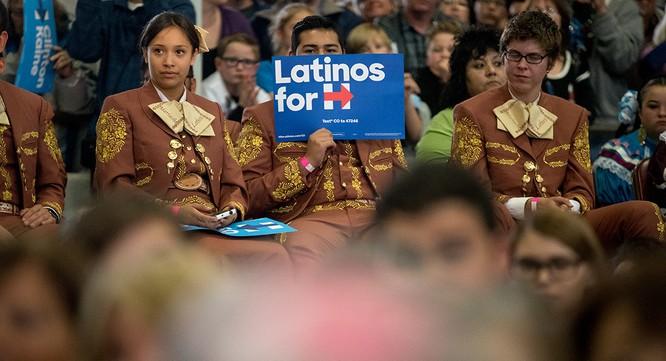 Sự trỗi dậy của nhóm cử tri Mỹ gốc Latinh được đánh giá có thể là yếu tố nhấn chìm chiến dịch của ông Trump