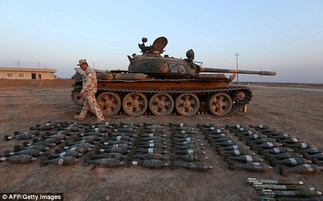 Vũ khí của IS do quân đội Iraq tịch thu được tại Mosul