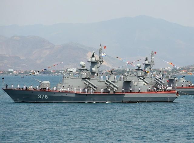Việt Nam đã và đang tự đóng các tàu tên lửa tấn công nhanh Molnyia
