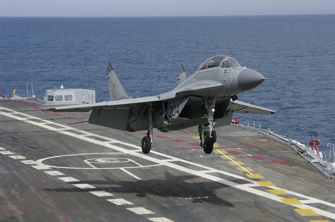 Chiến đấu cơ MiG-29K xuất kích từ tàu sân bay Đô đốc Kuznetsov tham chiến tại Syria