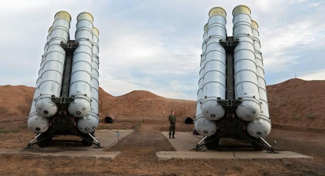 Nga đã triển khai hàng loạt hệ thống phòng không S-400 và S-300 khét tiếng tới Syria đề phòng bất trắc