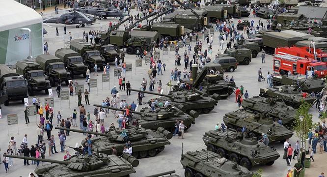 Một triển lãm các loại vũ khí, phương tiện chiến đấu do Nga sản xuất