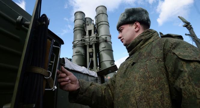 Các hệ thống vũ khí tối tân như S-400 đã được triển khai đến biên giới phía tây