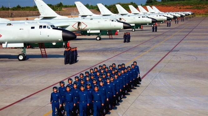 Dàn máy bay H-6 của Trung Quốc