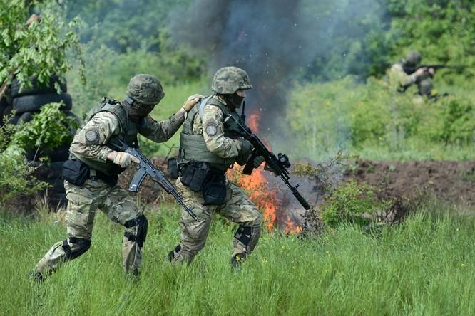 Quân đội Ukraine hứng chịu tổn thất nặng nề trong những cuộc đụng độ với dân quân ly khai ở Donetsk