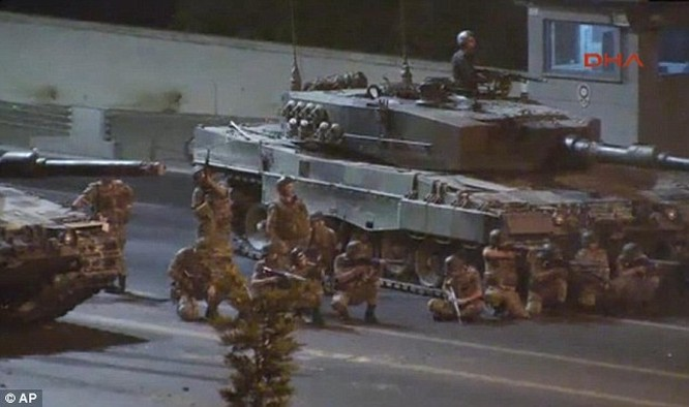 Quân đội Thổ Nhĩ Kỳ đã dẹp tan cuộc đảo chính nhằm vào ông Erdogan